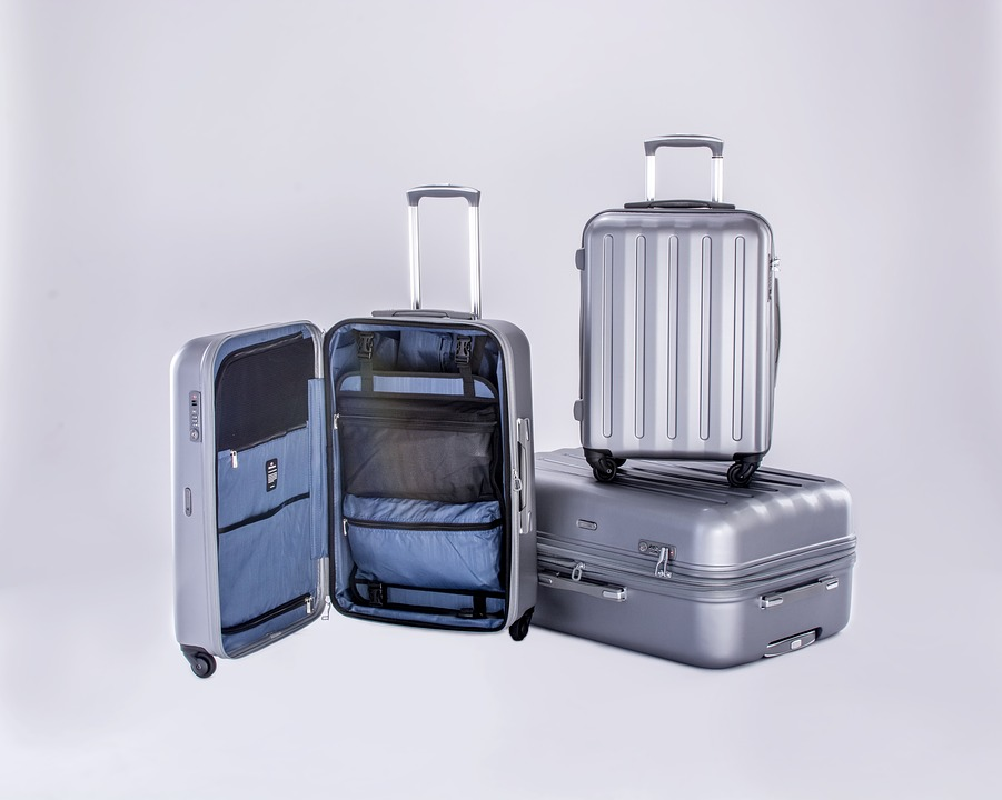 luggage-cases-2158742_960_720
