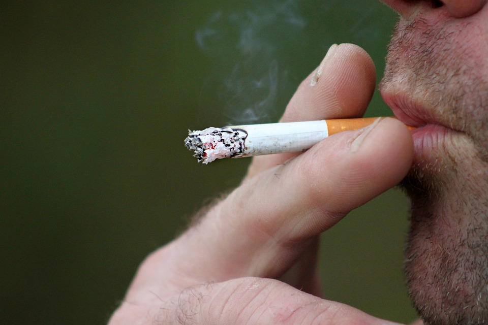 smoking-397599_960_720